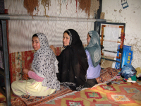 Women_carpet_makers_afghanistan3